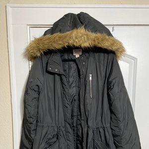 Missing Puffer Coat with Fur Trimmed Hood size L